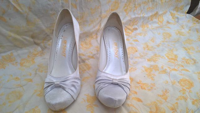 Skórzane buty ślubne, wysoki obcas, rozmiar 39 + gratisy