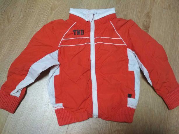 Курточка з капішоном