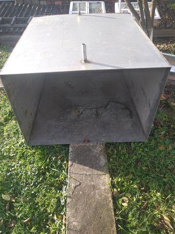Продам ємність з нержавіючої сталі з двома виходами.