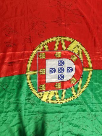 Bandeira autografada pela Seleção Nacional Mundial 2018