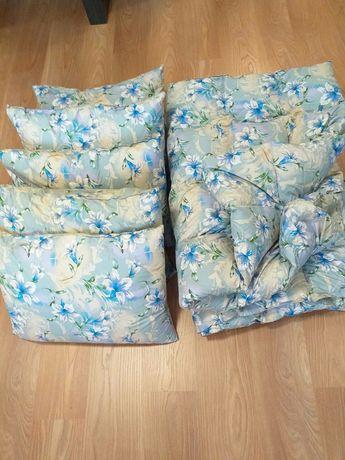 Комплект подушки та ковдри, одіяло