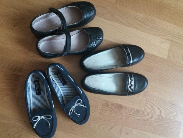 Продам туфлі для дівчаток.