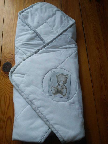 Oddam rożek niemowlęcy i prześcieradło do łóżeczka