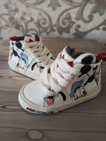 Кеды хайтопы Zara Disney белые с Микки
