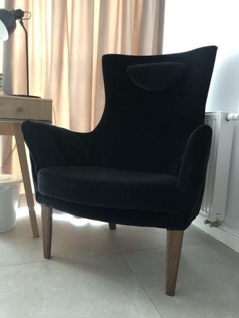 Fotel welurowy czarny glamour