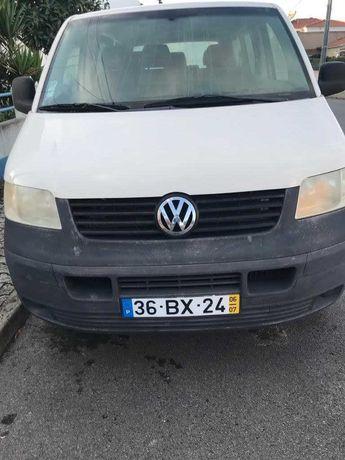 VW Transporter 1.9 TDI 9 lugares