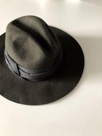 Шляпа Zara фетровая