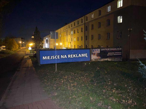 Garaż - miejsce na baner, reklamę na elewacji. ul. Akademicka