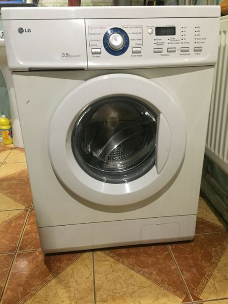 Компактна пральна машина LG 3.5 кг