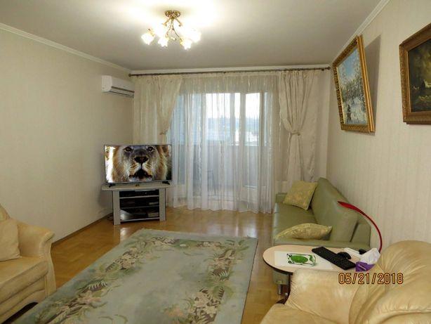 Долгосрочная аренда отличной трехкомнатной квартиры на м. Левобережная