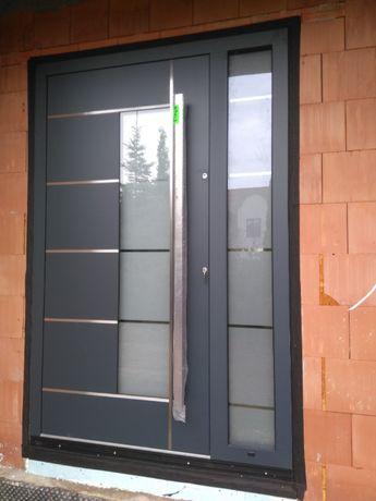Drzwi zewnętrzne drewniane od producenta