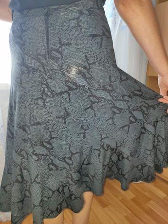 Продажа стрейчевой женской юбки