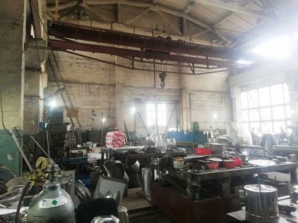 Сдам складские помещения с кран -балкой 10 тонн в Оболонском районе.