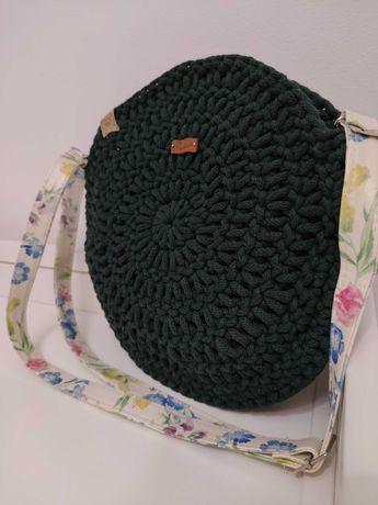 Okrągła torebka ręcznie robiona