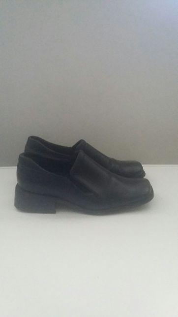 Pantofelki czarne