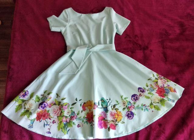 Платья с птицами и цветами