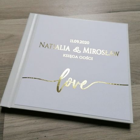 Księga gości na wesele ze złotymi napisami LOVE