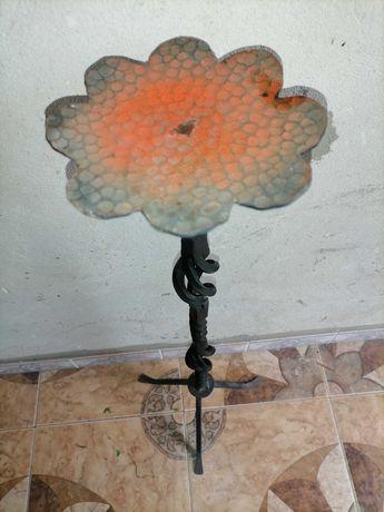 Кований міні столик