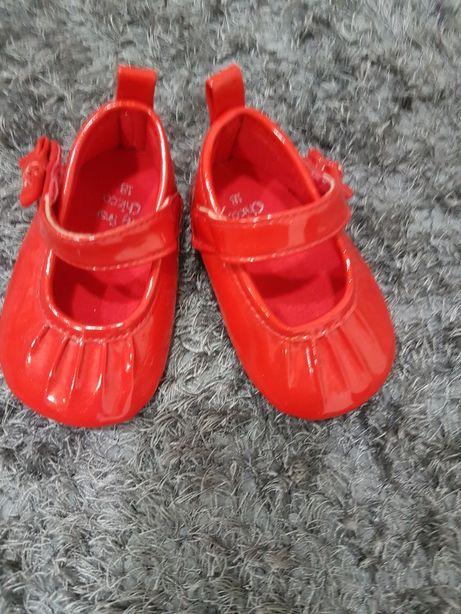Sapato vermelho envernizado da Chicco. Tamanho 18