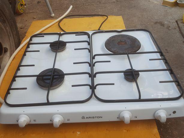 Placa de  encastrar 3 bicos gás  de bilha e 1 eléctrico