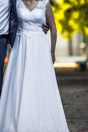 Suknia ślubna rozmiar 38/40 w bardzo dobrym stanie,gratis welon