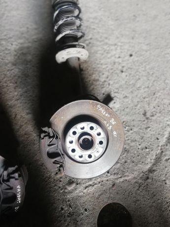 Prawa przednia zwrotnica od VW Passata B6