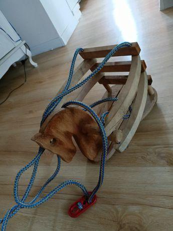 Huśtawka drewniana konik