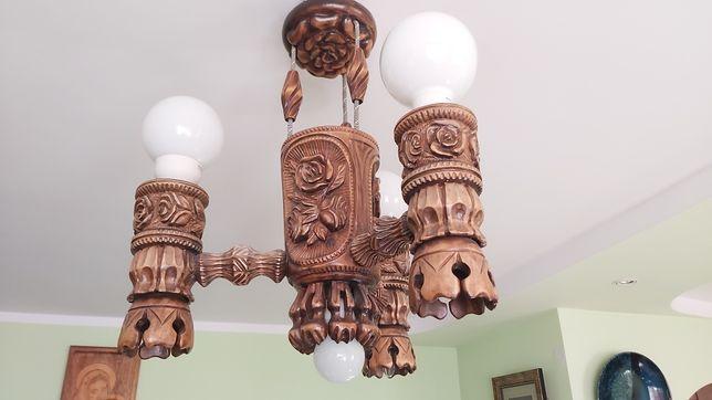 Żyrandol drewniany ręcznie rzeźbiony