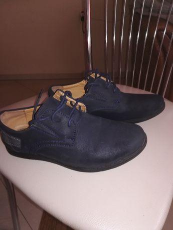 Buty zamszowe granatowe rozm. 32