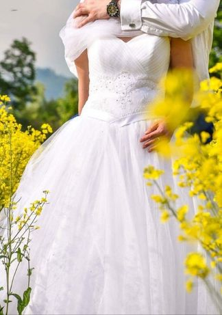 Sprzedam suknie ślubna 36/38 na 165 cm