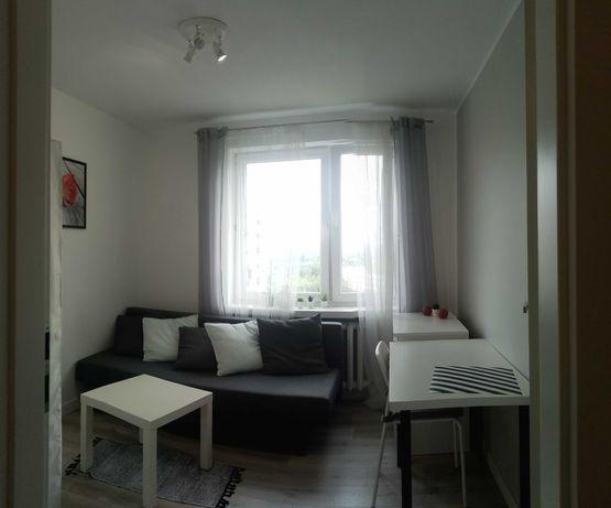 Pokoj dla Kobiety w m3 po remoncie na osiedlu Jagiellonskim, internet.