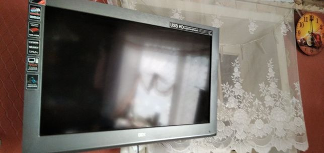 Телевизор DEX 32 дюйма