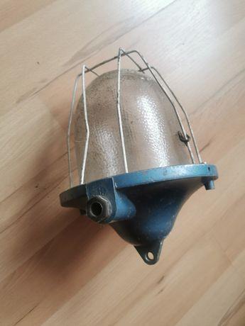 Lampa rustykalna dla wyjątkowego wnętrza PRL