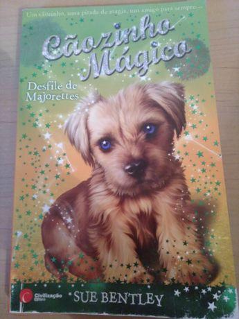 """Cãozinho Mágico - Desfile de Majorettes"" de Sue Bentley"