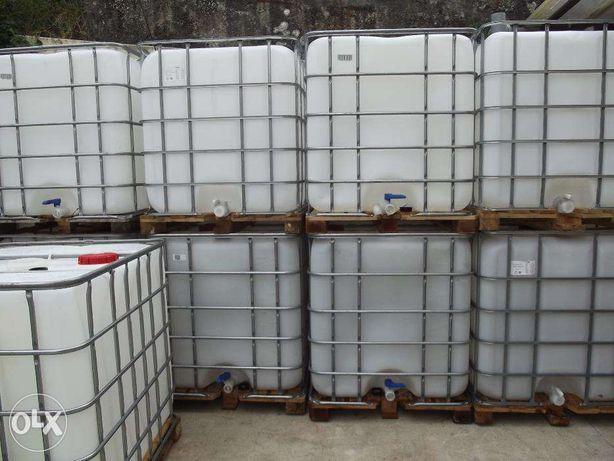 Depósitos reservatórios de 1000 litros