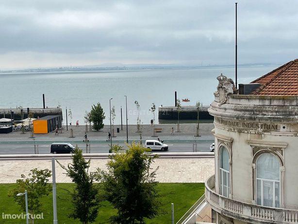 T3 Arrendamento No Centro De Lisboa Com Vista Para O Rio Tejo