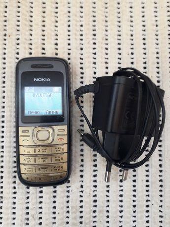 Мобильный телефон Nokia 1208 рабочий с батареей и подзарядкой