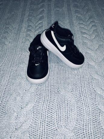 Nik детские кроссовки 22 размер