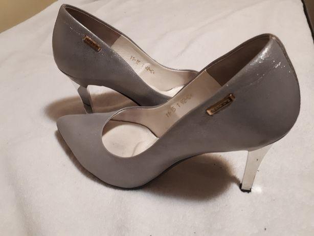Srebrne buty szpilki Laura Piacci 38