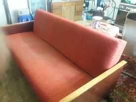 Недорогой диванчик продам---для дачи, съемной квартиры..