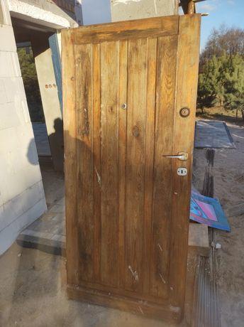 Drzwi zewnętrzne na budowę