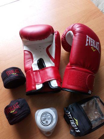 Перчатки боксёрские EVERLAST  + бинты и капа