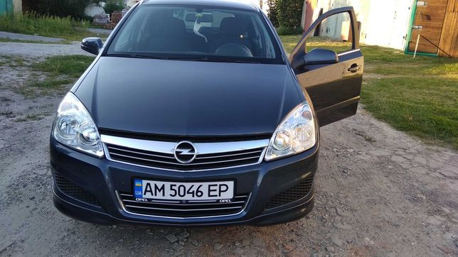 Продам авто Opel Astra H 2008р.. бензин 1.8