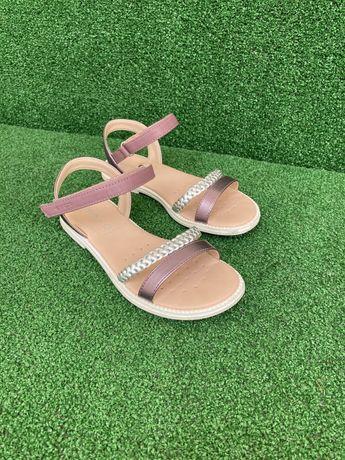 Sandálias Geox para menina n.32