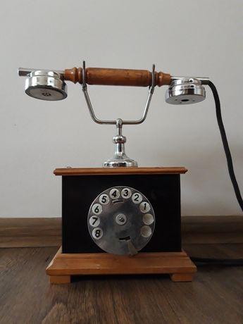 Telefon z 1980 roku