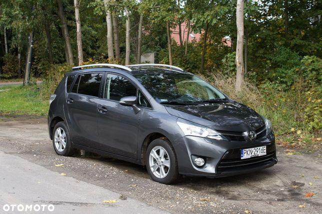 Toyota Verso 1,8 benzyna, 147 KM, 7 os., bezwypadkowy, Kamera