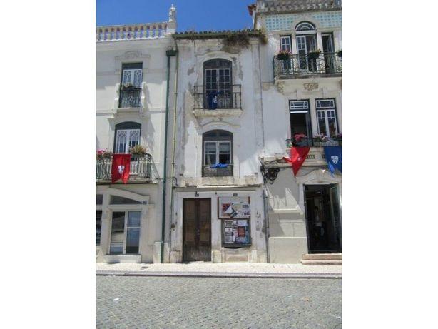 Prédio para recuperar no centro histórico de Leiria
