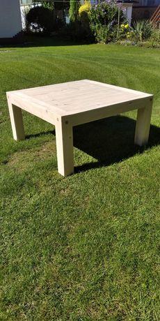 Stolik ogrodowy z drewna