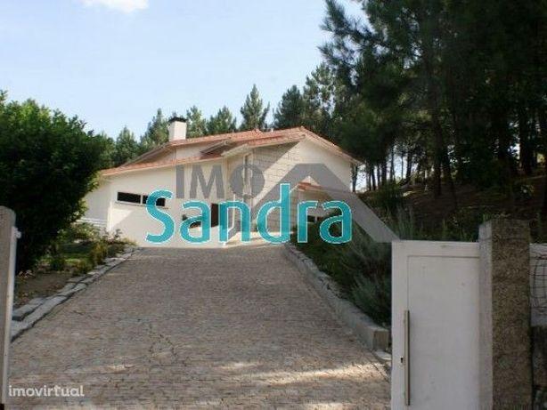 Excelente Moradia T4 com 5400 m2 de terreno