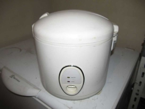 Garnek elektryczny do gotowania na parze